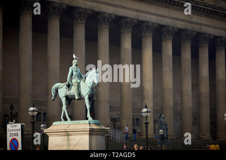 St George's Hall Liverpool along  Lime Street, Liverpool city centre - Stock Photo