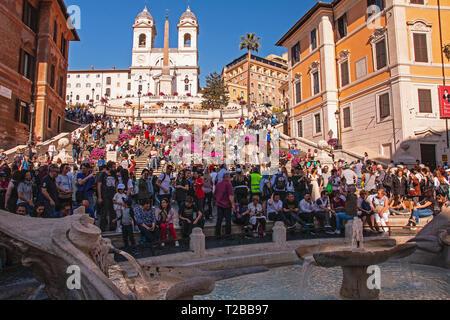 The Spanish Steps (Italian: Scalinata di Trinità dei Monti) are a set of steps in Rome, Italy, between Piazza di Spagna and Piazza Trinità dei Monti. - Stock Photo