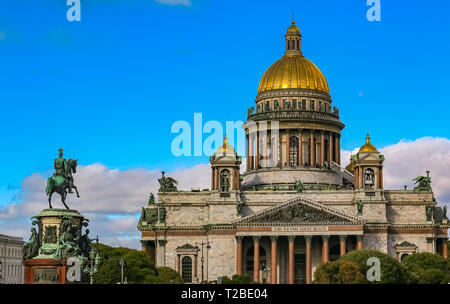 View onto facade of Saint Isaac's Russian Orthodox Cathedral and Monument to Nicholas I on Isaakievskaya Ploshchad St. Isaac's Square in Saint Petersb - Stock Photo