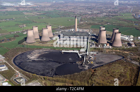 aerial view of Fiddler's Ferry Power Station near Warrington / Widnes - Stock Photo