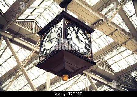 Meeting Point of Glasgow Central Station vintage clock Scotland - Stock Photo