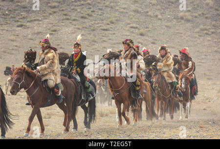 bayan Ulgii, Mongolia, 3rd October 2015: eagle hunters gathering in a landscape of Western Mongolia - Stock Photo