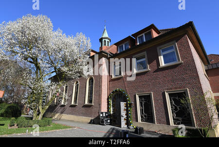 Kroge, Germany. 01st Apr, 2019. Blue is the sky above the Chapel of the Sacred Heart of Jesus of St. Anna. The Queen of Sweden will come to the Queen Silvia Nursing Awards ceremony in the chapel on Wednesday (03.04.2019). The St.-Anna-Stift cares for people with dementia according to the 'Silviahemmet' philosophy. Credit: Carmen Jaspersen/dpa/Alamy Live News - Stock Photo