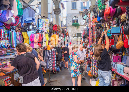 Customers shopping at Mercato Nuovo in Florence, Tuscany, Italy, Europe - Stock Photo