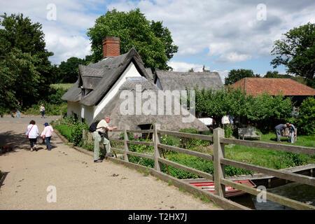 Flatford Bridge Cottage - Stock Photo