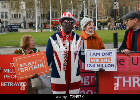 Parliament Square, London, UK. 3rd Apr 2019. Hard Brexit supporters protest on the streets opposite Houses Of Parliament. London, 03rd Of April 2019. Credit: Thomas Krych/Alamy Live News - Stock Photo