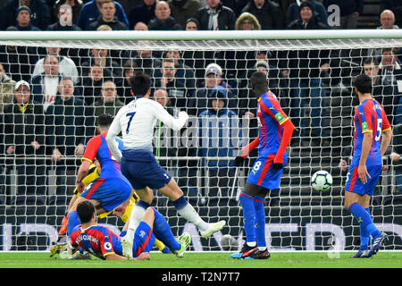 London, UK. 3rd Apr, 2019. Tottenham forward Heung-Min Son scores the first goal during the Premier League match between Tottenham Hotspur and Crystal Palace at The Tottenham Hotspur Stadium, London on Wednesday 3rd April 2019. Editorial use only. No use in betting, games or a single club/league/player publications. Photograph may only be used for newspaper and/or magazine editorial purposes. Credit: MI News & Sport /Alamy Live News - Stock Photo