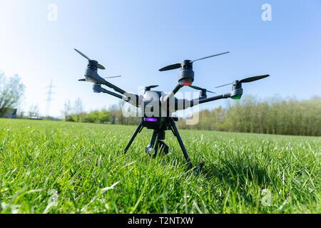 Drohne Yuneec Typhoon H, 01.04.2019  Foto: Mario Hommes - Stock Photo