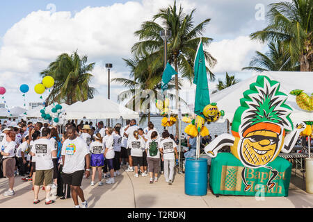 Miami Florida Bayfront Park Mercedes-Benz Miami Corporate Run race community charity event runners coworkers co-workers Baptist - Stock Photo