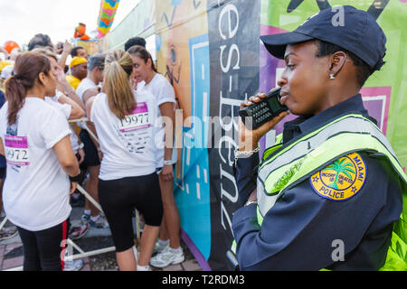 Miami Florida Bayfront Park Mercedes-Benz Miami Corporate Run community charity event runners coworkers co-workers starting line - Stock Photo
