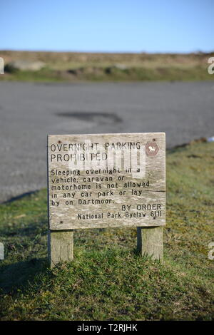 No overnight parking signs in Dartmoor national Park - Stock Photo