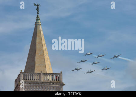 Zadar, Croatia. 4th Apr, 2019. The Italian Air Force's aerobatic squad 'Frecce Tricolori' performs in a practice flight in Zadar, Croatia, April 4, 2019. Credit: Dino Stanin/Xinhua/Alamy Live News