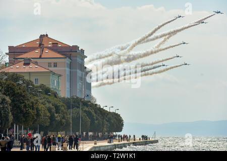 Beijing, Croatia. 4th Apr, 2019. The Italian Air Force aerobatic squad 'Frecce Tricolori' performs in a practice flight in Zadar, Croatia, April 4, 2019. Credit: Dino Stanin/Xinhua/Alamy Live News