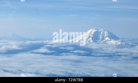 the aerial view of mount rainier, mount adams and mt st helens near seattle washington - Stock Photo