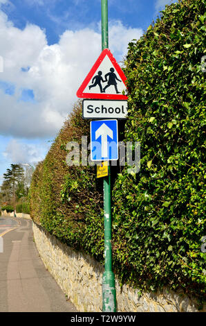 Maidstone, Kent, England, UK. Beware Schoolchildren sign by a primary school - Stock Photo