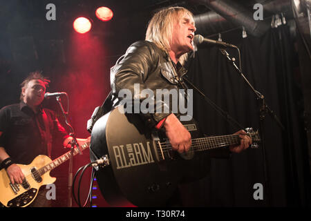 Norway, Oslo - April 4, 2019. The Welsh rock band The Alarm performs live concert at John Dee in Oslo. Here vocalist and guitarist Mike Peters is seen live on stage. (Photo credit: Gonzales Photo - Per-Otto Oppi). Credit: Gonzales Photo/Alamy Live News - Stock Photo