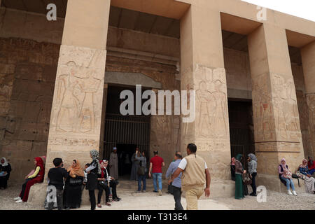 Sohag, Egypt. 5th Apr, 2019. People visit the Mortuary Temple of Seti I in Sohag, Egypt, on April 5, 2019. The Mortuary Temple of Seti I is a memorial temple for Seti I, a king of the 19th dynasty and father of King Ramses II in ancient Egypt. Credit: Ahmed Gomaa/Xinhua/Alamy Live News - Stock Photo