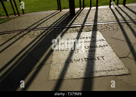 Memorial commemorating Rudolf Urban, killed while trying to cross the Berlin Wall in 1961, at Bernauer Strasse, Berlin, Germany. - Stock Photo