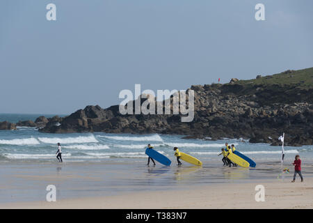 Cornwall, UK. 07th Apr, 2019. Sunny in St Ives.   Credit: Simon Maycock/Alamy Live News - Stock Photo
