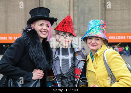 London, UK. 7th Apr 2019. The fifht London Hat Walk took place today with people wearing all kinds of extravagant and normal hats ,they walked form the tate Fallery to London Bridge Credit: Paul Quezada-Neiman/Alamy Live News - Stock Photo
