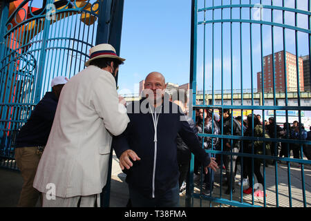 New York, USA. 06th Apr, 2019. Jeff Klein welcomes visitors into Luna Park for the first time in 2019. Coney Island's famed Luna Park started its 2019 season with the second annual Charity Day in support of Children of Promise, NYC, a program designed to support children whose parents are incarcerated. Admission to the park is free for anyone donating $10, which goes directly to Children of Promise. Credit: Andy Katz/Pacific Press/Alamy Live News - Stock Photo