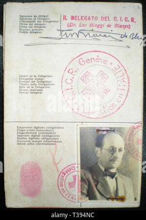 Adolf Eichmann, The Red Cross identitity document Adolf Eichmann used to enter Argentina under the alias Ricardo Klement in 1950, issued by the Italian delegation of the Red Cross - Stock Photo