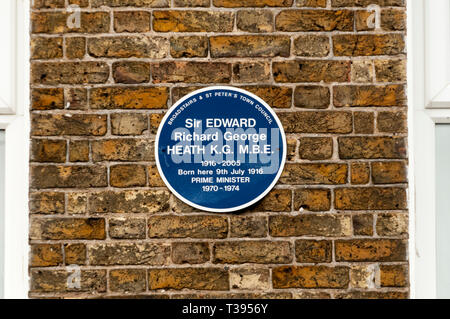 Blue plaque on the birthplace of Ted Heath in Broadstairs, Kent. - Stock Photo