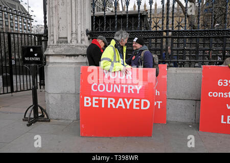 Brexit posters supporters to leave the EU 'Your Country Betrayed' at Houses of Parliament in Westminster, London England UK 4 April 2019  KATHY DEWITT - Stock Photo