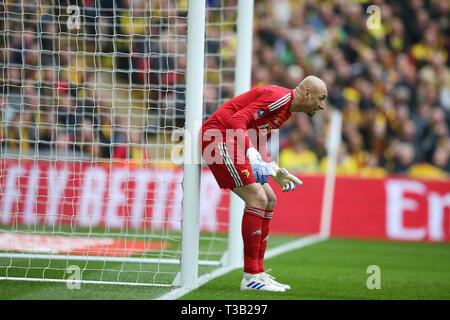 London, UK. 07th Apr, 2019. Watford goalkeeper Heurelho Gomes in action. The Emirates FA Cup, semi-final match, Watford v Wolverhampton Wanderers at Wembley Stadium in London on Sunday 7th April 2019. this image may only be used for Editorial purposes. Editorial use only, license required for commercial use. No use in betting, games or a single club/league/player publications . pic by Andrew Orchard/Andrew Orchard sports photography/Alamy Live news Credit: Andrew Orchard sports photography/Alamy Live News - Stock Photo