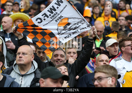 London, UK. 07th Apr, 2019. Wolverhampton Wanderers fans looks on. The Emirates FA Cup, semi-final match, Watford v Wolverhampton Wanderers at Wembley Stadium in London on Sunday 7th April 2019. this image may only be used for Editorial purposes. Editorial use only, license required for commercial use. No use in betting, games or a single club/league/player publications . pic by Andrew Orchard/Andrew Orchard sports photography/Alamy Live news Credit: Andrew Orchard sports photography/Alamy Live News - Stock Photo