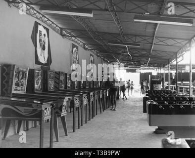 camping, amusement arcade, 1957 - Stock Photo