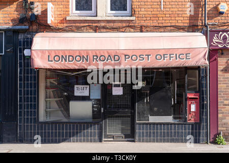 A post office branch closure on London Road, Worcester, UK - Stock Photo