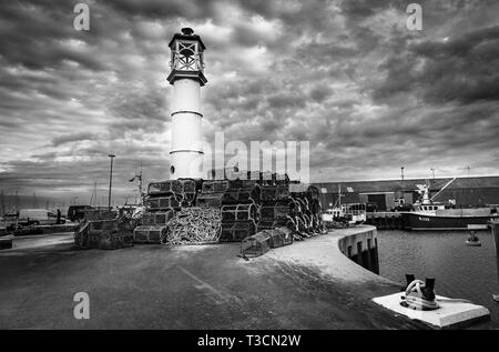 The harbour lighthouse at Kirkwall, Mainland, Orkney Islands. - Stock Photo