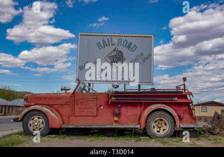 Vintage fire trcuck on display in Alpine, Texas, as a tourist attraction. - Stock Photo