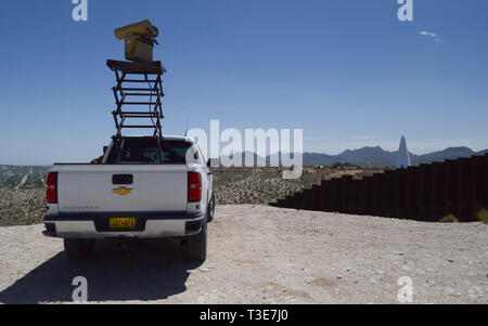 A Mobile Surveillance Camera parked at 'Monument One' near the Santa Teresa Port of Entry in Sunland Park, New Mexico, April 3, 2019. The Monument One MSC is one of 22 along the New Mexico/Mexico border operated by Soldiers assigned to 1-37 Field Artillery Battalion. The Department of Defense has deployed units across the Southwest Border at the request of U.S. Customs and Border Protection and is providing logistical, engineering, and force protection functions. (US Army photo by Sgt. 1st Class TaWanna Starks) - Stock Photo
