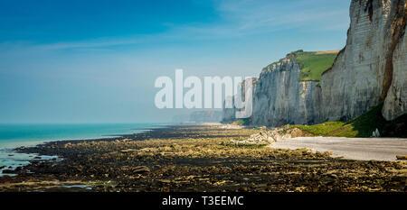 Falaise d'Amont cliff at Etretat, Normandy, France - Stock Photo