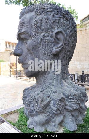 Azerbaijan, Baku, Statue depicting poet Aliagha Vahid - Stock Photo