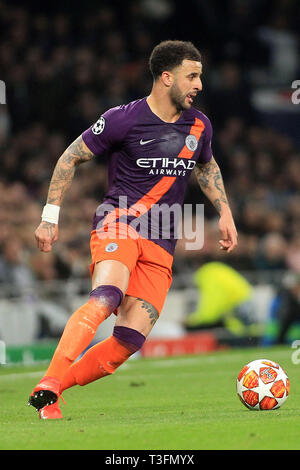 London, UK. 09th Apr, 2019. Kyle Walker of Manchester city in action. UEFA Champions league match, quarter final, 1st leg match, Tottenham Hotspur v Manchester City at The Tottenham Hotspur Stadium in London on Tuesday 9th April 2019. this image may only be used for Editorial purposes. Editorial use only, license required for commercial use. No use in betting, games or a single club/league/player publications . pic by Steffan Bowen/Andrew Orchard sports photography/Alamy Live news Credit: Andrew Orchard sports photography/Alamy Live News - Stock Photo