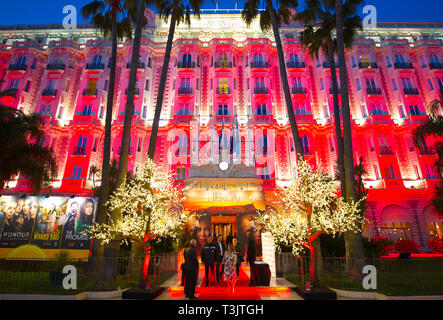 Cannes, France. 08th Apr, 2019. Cannes, France - April 07, 2019: Canneseries/MIPTV, the international market for content development and distribution, Hotel Carlton Intercontinental, Reed MIDEM, MIPCOM, | usage worldwide Credit: dpa/Alamy Live News - Stock Photo