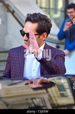 London, UK. 10th Apr, 2019. American actor Paul Rudd, in London for the premiere of 'Avengers-Endgame', leaves the Corinthia Hotel in Whitehall Place, London. Credit: PjrFoto/Alamy Live News - Stock Photo