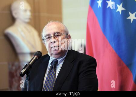 Washington DC, USA. 10th Apr, 2019. Special envoy of Venezuelan opposition leader Juan Guaido, Gustavo Tarre, speaks at the OAS in Washington DC, USA, 10 April 2019. Tarre took over as de facto Ambassador of Venezuela before the OAS and will participate actively in the body. Credit: Lenin Nolly/EFE/Alamy Live News - Stock Photo