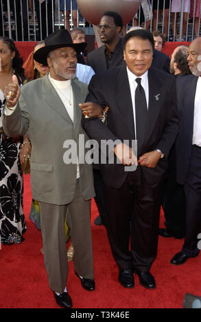 LOS ANGELES, CA. July 10, 2002: Former boxers MUHAMMAD ALI (right) & JOE FRAZIER at the 10th Annual ESPY Sports Awards in Hollywood. © Paul Smith / Featureflash - Stock Photo