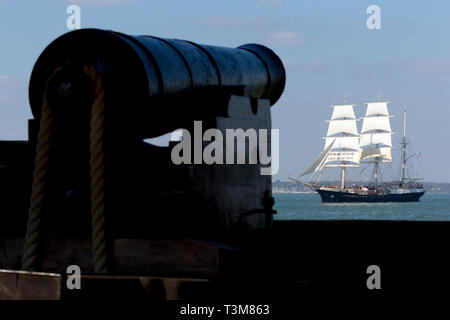 Jubilee,Sailing,Trust,tall,ship,gaffer,old,sail,training,Tenacious, Fort, Victoria,The Solent,Cowes,isle of Wight,England,UK, - Stock Photo
