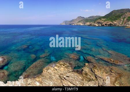 The rocky coast nearby Porticciolo, a small hamlet along the western coast of Sardinia, not far from Capo Caccia and Alghero - Stock Photo