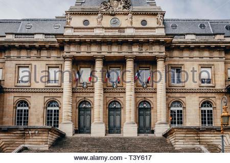 Palais de justice (courthouse), 1st arrondissement, île de la Cité. August 26, 2018, Paris, France. Palais de justice, 1er arrondissement, île de la C - Stock Photo