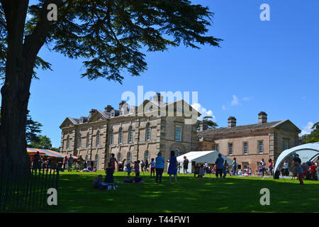 Compton Verney House, Compton Verney, Kineton, Warwickshire, England, UK. 18th century country mansion. Art Gallery with landscaped grounds. - Stock Photo