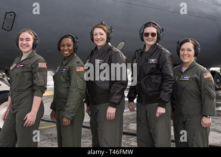 Team Fairchild's all-women flight aircrew pose for a photo in honor of Women's History Month at Fairchild Air Force Base, Washington, Mar. 8, 2019. The flight commemorated Raymonde de Laroche, a pioneer in aviation and the first woman in the world to receive a pilot's license more than 100 years ago. - Stock Photo