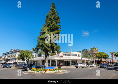 16 December 2018: Mount Maunganui, New Zealand - Intersection and roundabout in Mount Maunganui centre. - Stock Photo