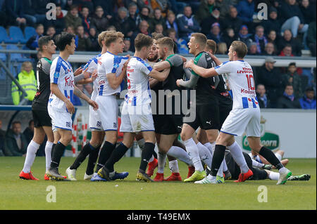 14th of april 2019 Heerenveen, The Netherlands Soccer Dutch Eredivisie SC Heerenveen v FC Groningen  Eredivisie Seizoen 2018 - 2019, (L-R)  opstootje - Stock Photo