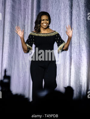 O2 Arena, London, UK. 14th Apr 2019. Michelle Obama on stage at Becoming: An Intimate Conversation With Michelle Obama on Sunday 14 April 2019 at O2 Arena, London. . Picture by Julie Edwards. Credit: Julie Edwards/Alamy Live News - Stock Photo